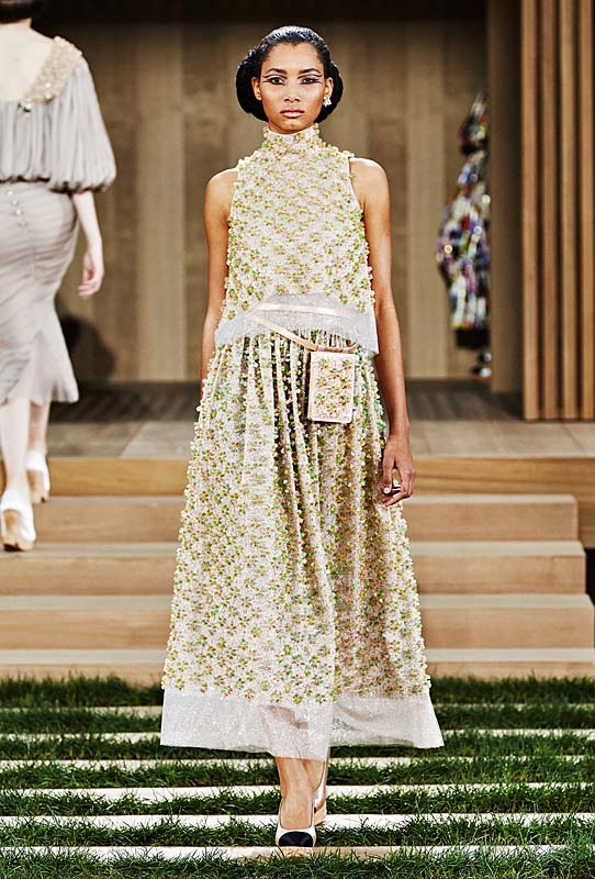 chanel-spring-summer-2016-couture-outfit-43-dress