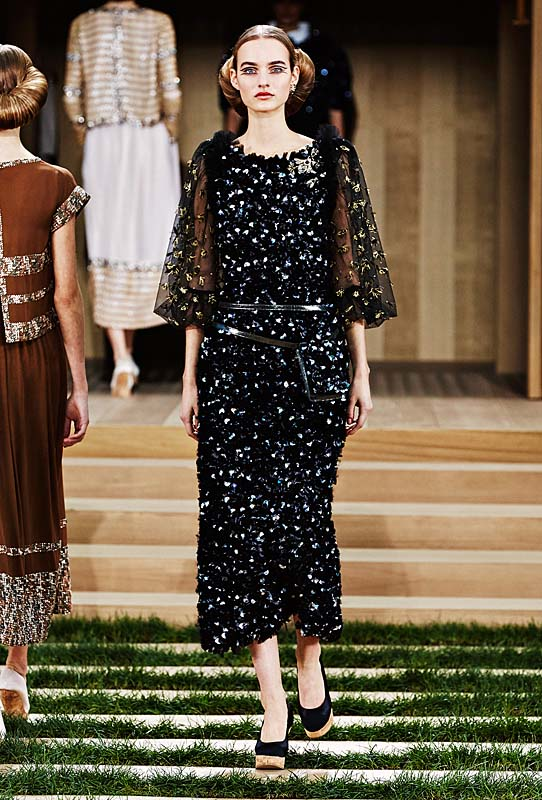chanel-spring-summer-2016-couture-outfit-47-black-silver-applique-dress