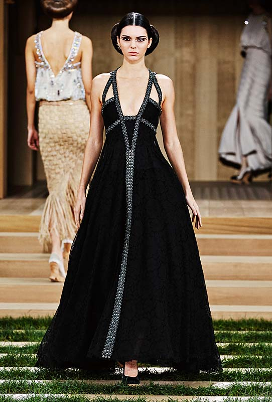 chanel-spring-summer-2016-couture-outfit-49-kendall-jenner-makeup-black-dress-hair-gown