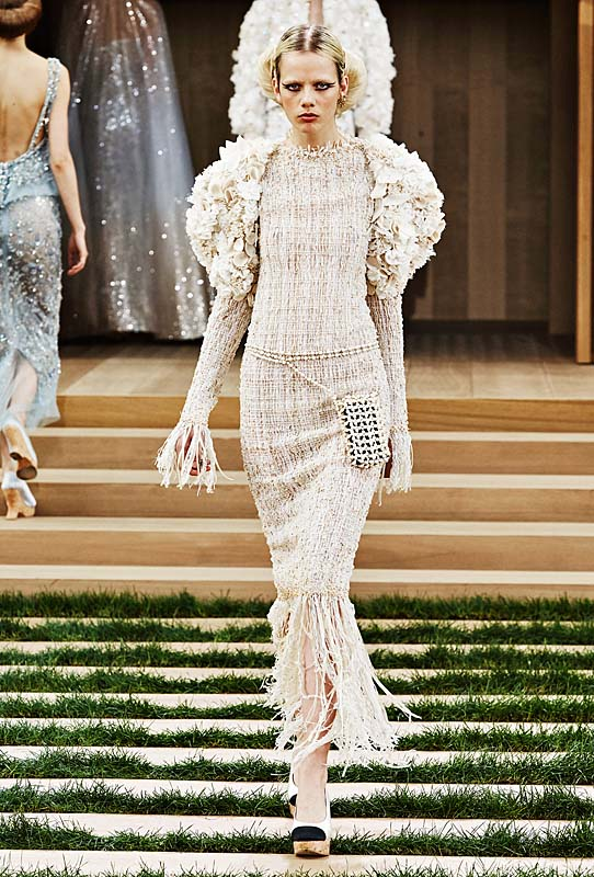 chanel-spring-summer-2016-couture-outfit-71