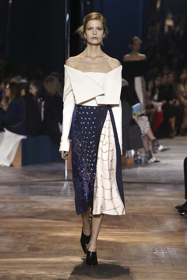 dior-spring-summer-2016-couture-outfit-1-fashion-show-off-shoulder-skirt