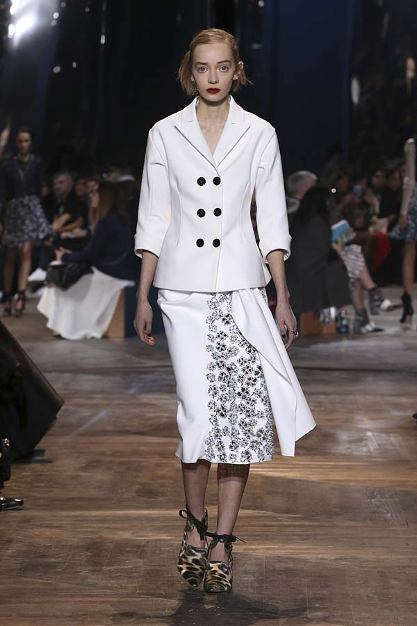 dior-spring-summer-2016-couture-outfit-11-pfw-ss16-white