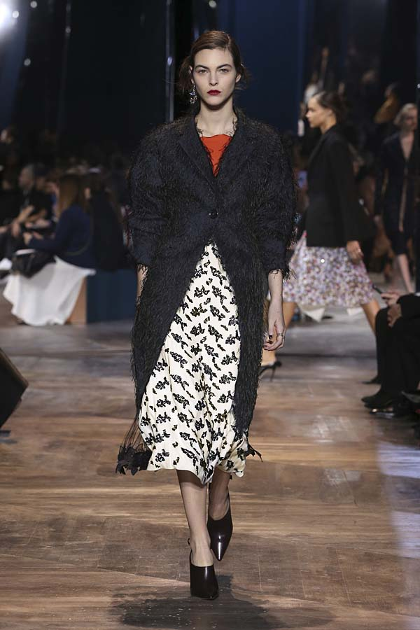 dior-spring-summer-2016-couture-outfit-15-dress-look-best-top-navy-jacket