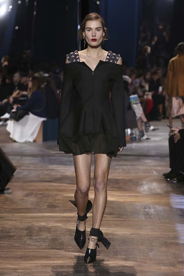 dior-spring-summer-2016-couture-outfit-17-black-dress-shoes