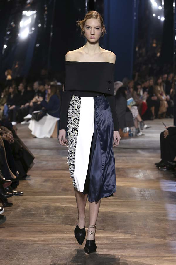dior-spring-summer-2016-couture-outfit-2-fashion-show-off-shoulder-black-top-skirt