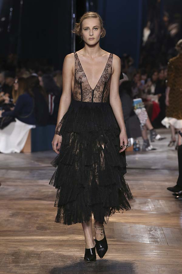 dior-spring-summer-2016-couture-outfit-30-fashion-trends-latest-sheer-ruffle-skirt