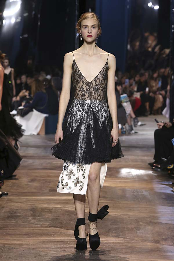 dior-spring-summer-2016-couture-outfit-33-black-sheer-top-pleated-white-slit-skirt