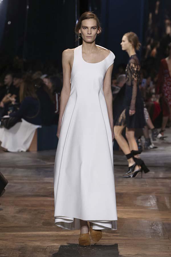 dior-spring-summer-2016-couture-outfit-35-asymmetric-neckline-white-short-maxi-dress