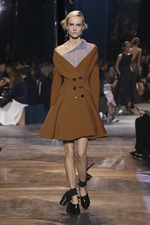 dior-spring-summer-2016-couture-outfit-37-brown-jacket-dress-shoes