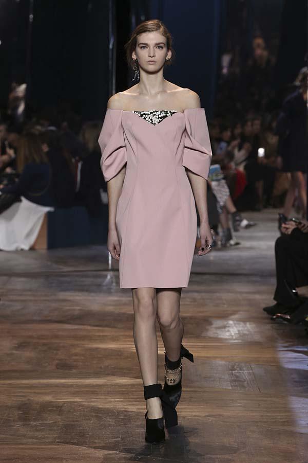 dior-spring-summer-2016-couture-outfit-44-pale-rose-dress-off-shoulder