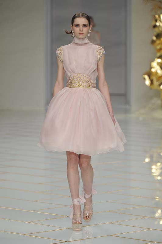 guo-pei-spring-summer-2016-couture-show-dress-10-party-pink-rose-gold-flared-belt