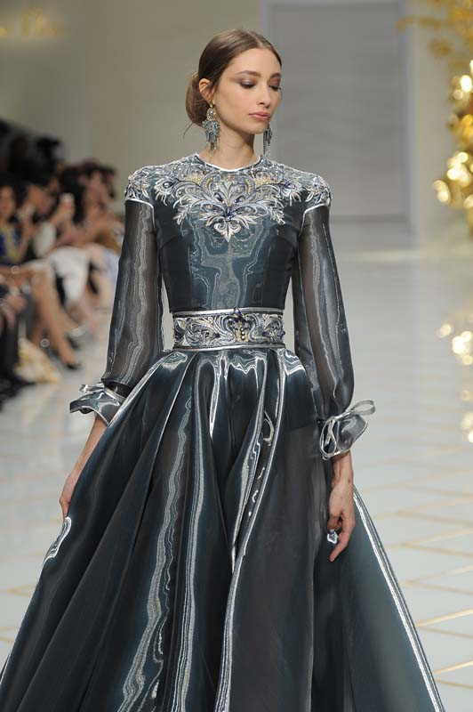 guo-pei-spring-summer-2016-couture-show-dress-36-blue-grey-pewter-embroidered-gown