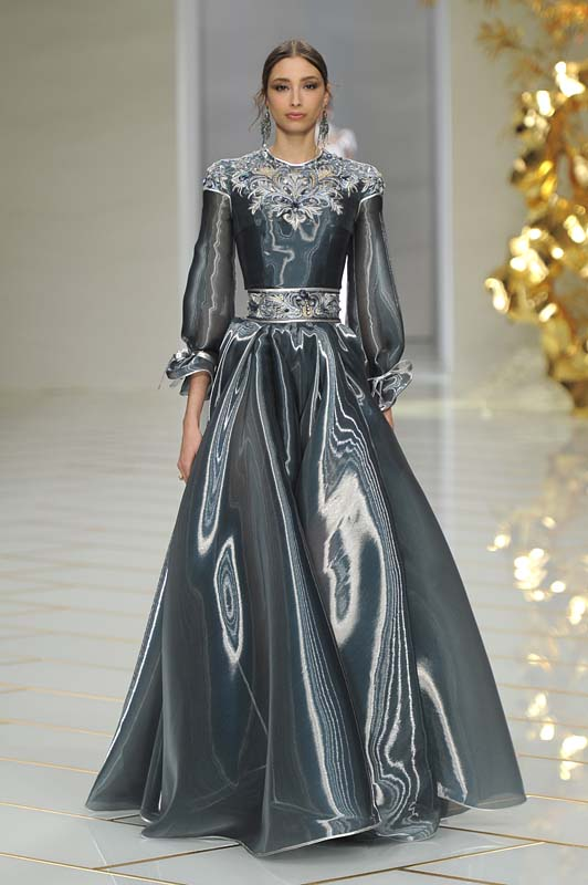 Guo Pei Spring Summer 2016 Couture Fashion Show Review