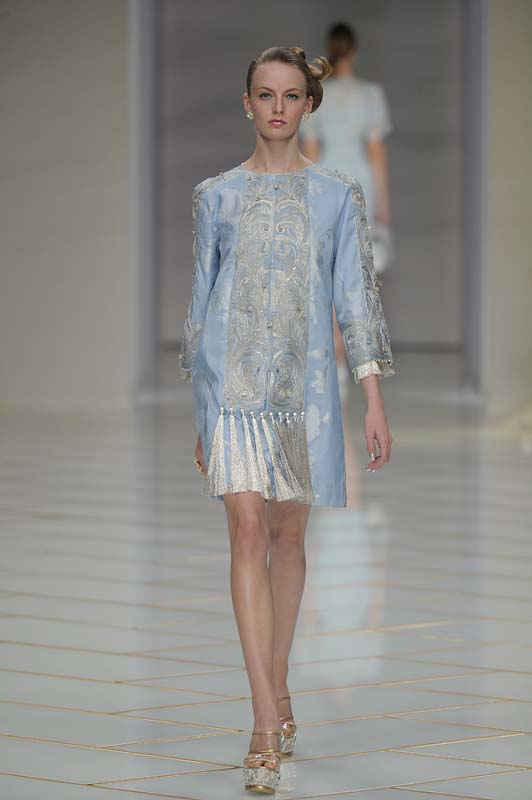 guo-pei-spring-summer-2016-couture-show-dress-6-blue-silk-tassle-dress