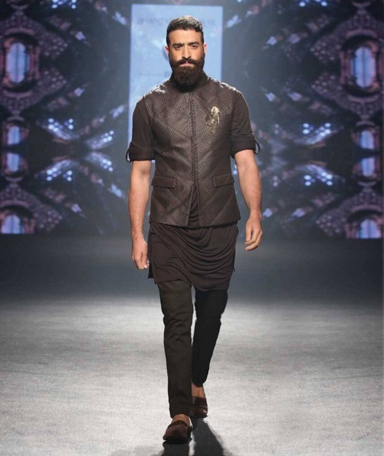 indian-men-designer-wedding-marriage-wear-outfit-dress-clothing-shantanu-nikhil-black-jacket
