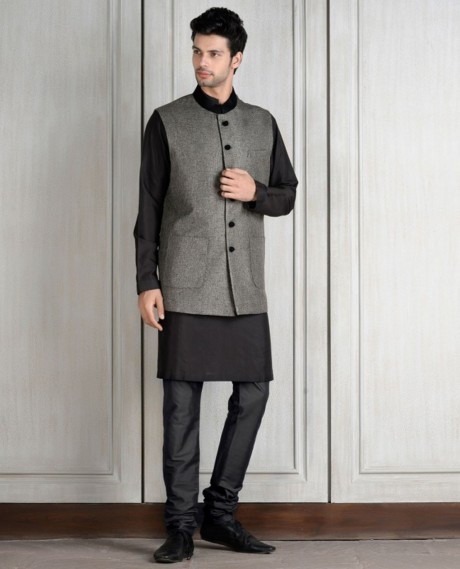 indian-men-traditional-wedding-marriage-wear-clothing-bandi-grey-black-designer-manish-malhotra
