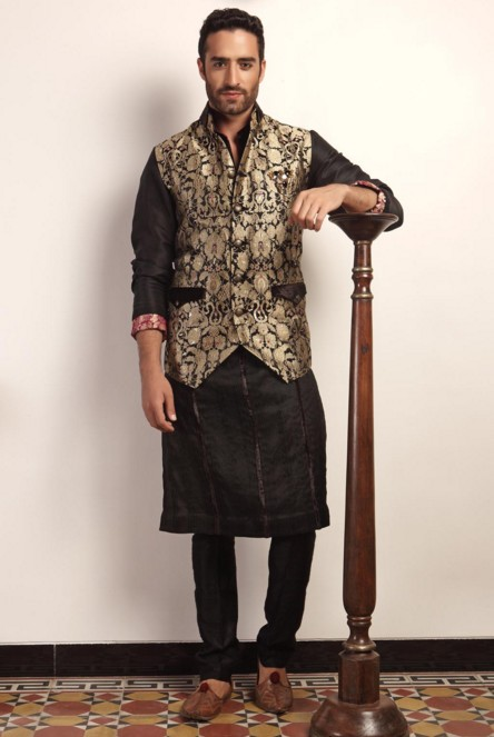 indian-men-traditional-wedding-marriage-wear-clothing-designer-gold-embroidery-jacket-niveditha