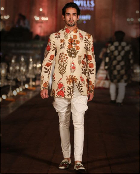 Indian Wedding Guest Outfits For Men Kurtas Designer Suits