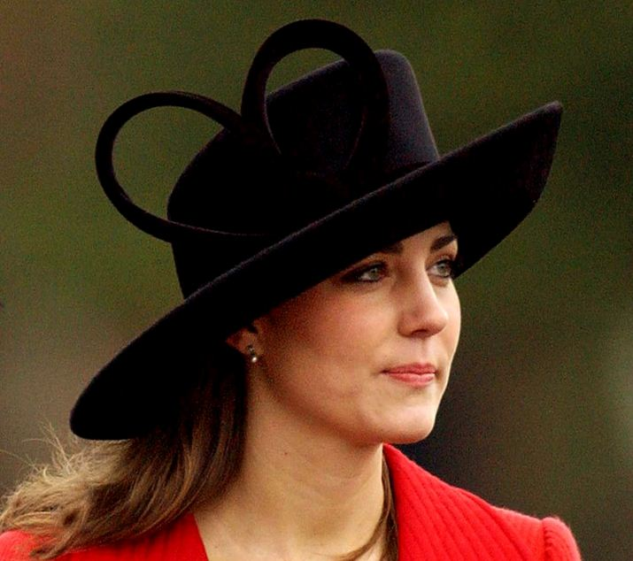 kate-middleton-best-black-hat-heart-bow-fashion-celeb-princess-look