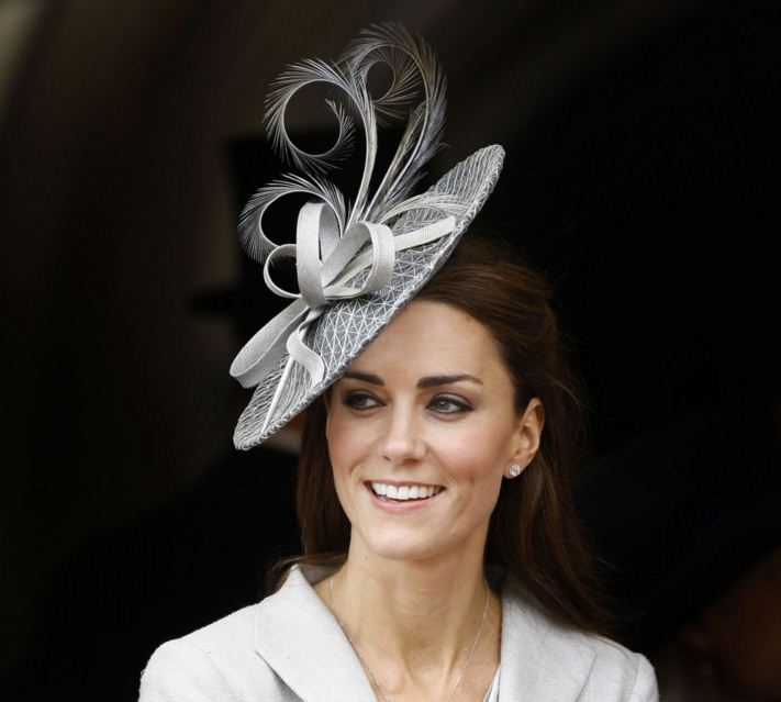 kate-middleton-best-hat-style-grey-ribbon-feather-twirl-celeb-princess-look