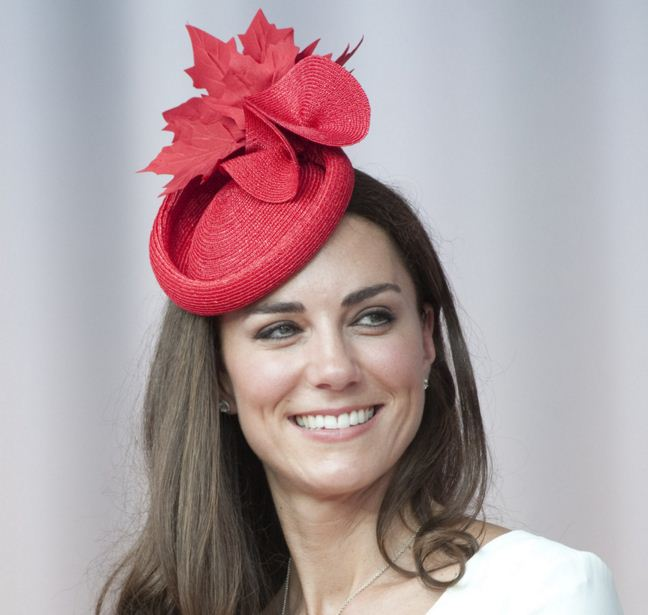 kate-middleton-best-red-maple-leaf-small-had-celeb-princess-look