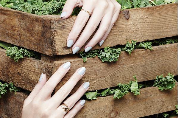 latest-nail-polish-trends-spring-summer-2016-nailpolish-kalenails-sky-blue-nails-inc