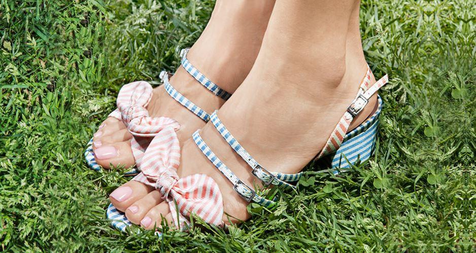 latest-nail-polish-trends-spring-summer-2016-nailpolish-pedicure-color-pastel-milky-nude-cream-estee-lauder
