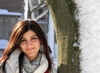 shilpa-ahuja-harvard-fashion-blogger-snow-look-casual-winter-makeup