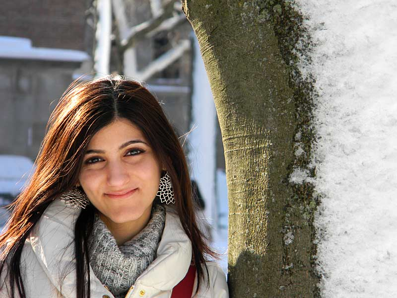 shilpa-ahuja-harvard-fashion-blogger-snow-look-casual-winter-makeup