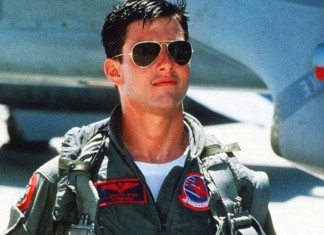 tom-cruise-top gun-aviators--most-iconic-hollywood-actor-style-mens