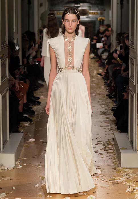 valentino-spring-2016-couture-dress-pfw-ss16-48-white-sheer-pleated
