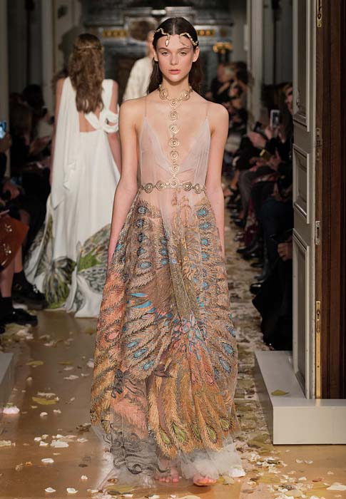 valentino-spring-2016-couture-dress-pfw-ss16-56-off-white-print-pattern-gown-designer-statement-peacock-feather