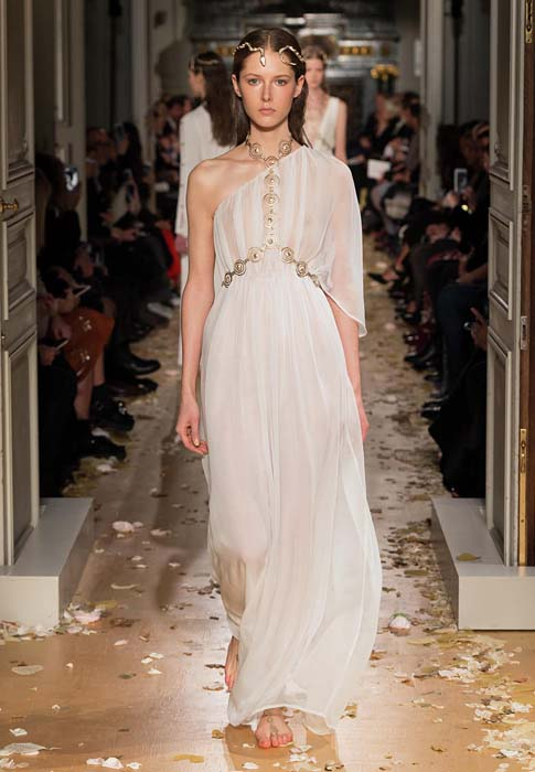valentino-spring-2016-couture-dress-pfw-ss16-57-white-sheer-gown-body-chain-necklace