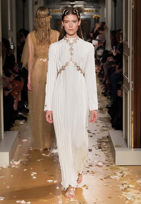 valentino-spring-2016-couture-dress-pfw-ss16-70-snake-jewelry-white-maxi