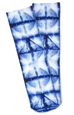 women-winter-accessories-fashion-tie-dye-blue-winter-socks