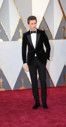 Eddie Redmayne -Oscars-awards-Red-carpet-2016-mens-fashion-best-looks-tux