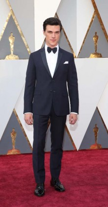 Finn Wittrock-Oscars-awards-Red-carpet-2016-mens-fashion-best-looks-tux