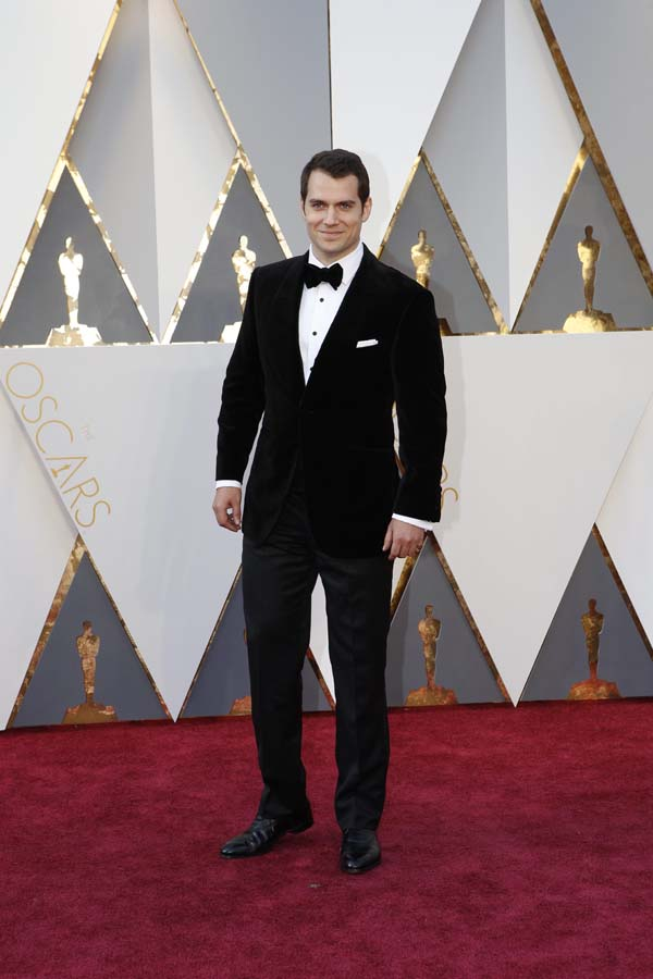 Henry Cavill-Oscars-awards-Red-carpet-2016-mens-fashion-best-looks-tux