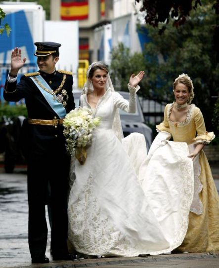 Princess-Letizia-Wedding-dress-best-celebrity-wedding-dresses-bridal-white