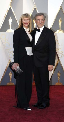 Steven Spielberg-Kate Capshaw-Oscars-awards-Red-carpet-2016-mens-fashion-best-looks-tux