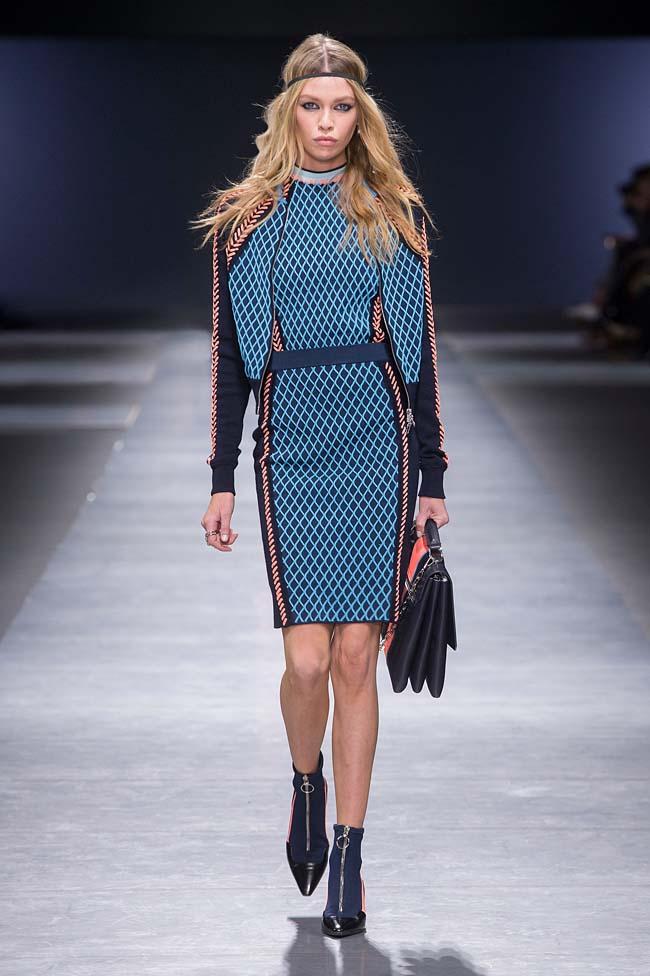 Versace_Women_FW16_016-fall-winter-2016-rtw-dresses-fashion-week-dress-designer