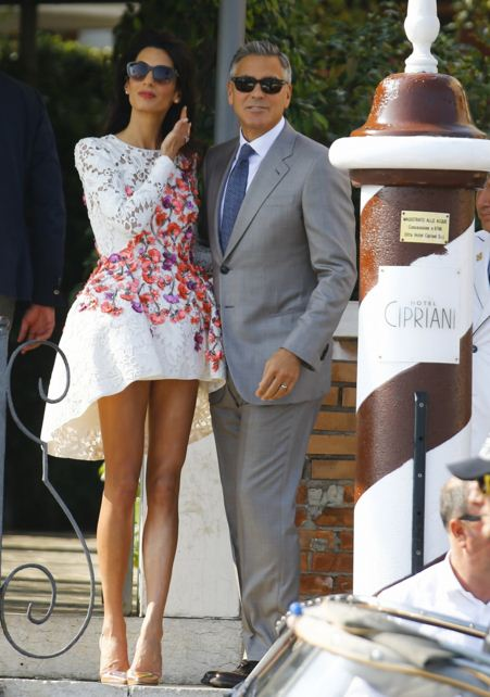 amal-clooney-best-dresses-white-asymetric-floral-dress-celeb-george-celebrity