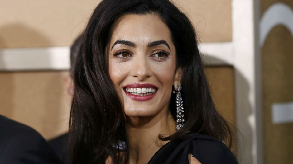 amal-clooney-best-red-carpet-dresses-makeup-earrings