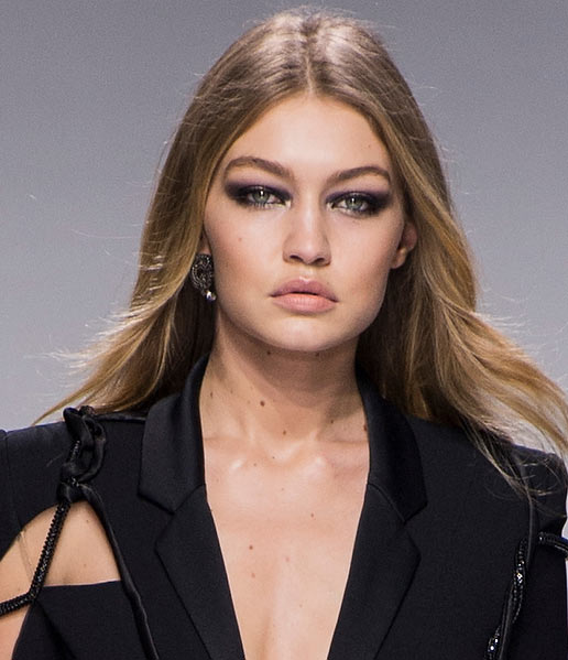 atelier-versace-latest-trends-makeup-styles-spring-summer-2016-look-black-smokey