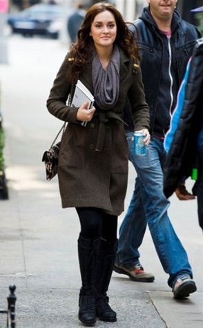 best-gossip-girl-winter-outfit-blair-waldorf-leighton-meester-brown-overcoat