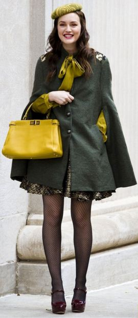 best-gossip-girl-winter-outfit-blair-waldorf-leighton-meester-cape-jacket-yellow-grey-olive-hat