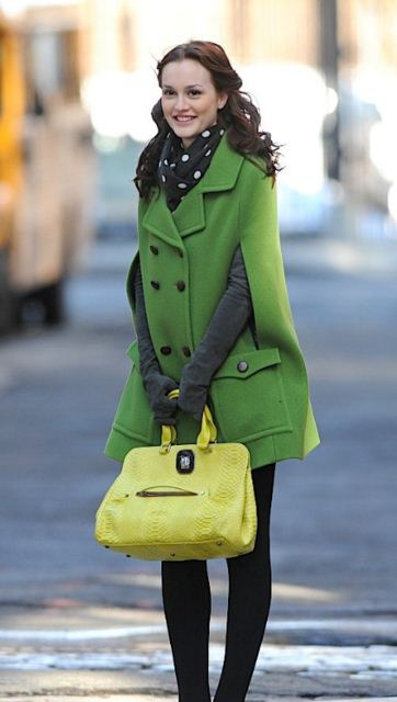 best-gossip-girl-winter-outfit-blair-waldorf-leighton-meester-green-overcoat-yellow-handbag-polka-dot
