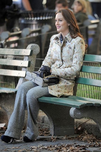best-gossip-girl-winter-outfit-blair-waldorf-leighton-meester-pants-jacket-gloves