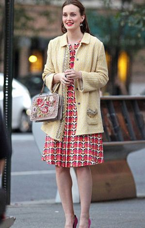 best-gossip-girl-winter-outfit-blair-waldorf-leighton-meester-print-dress-jacket