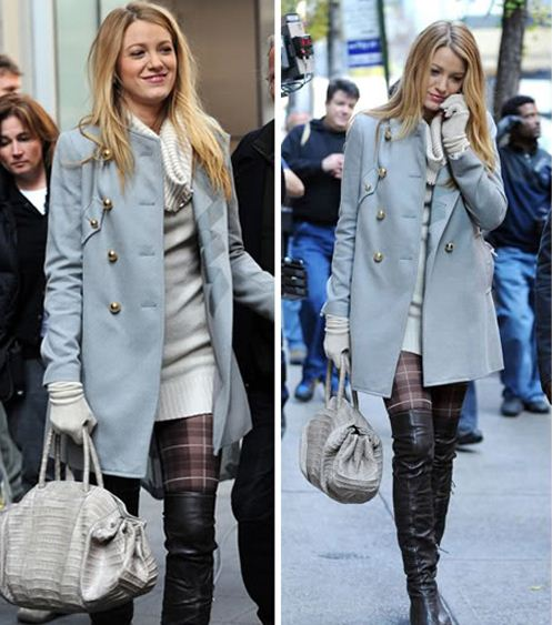 best-gossip-girl-winter-outfit-serena-van-der-woodsen-blake-lively-cute-blue-coat-check-tights